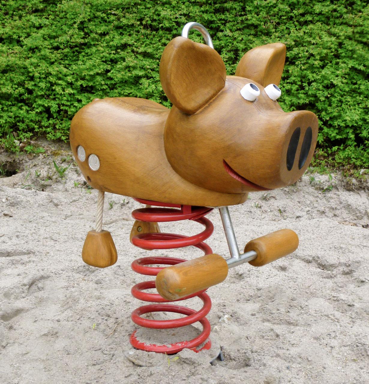 P 40 Federwipper Schwein | Wackelschwein