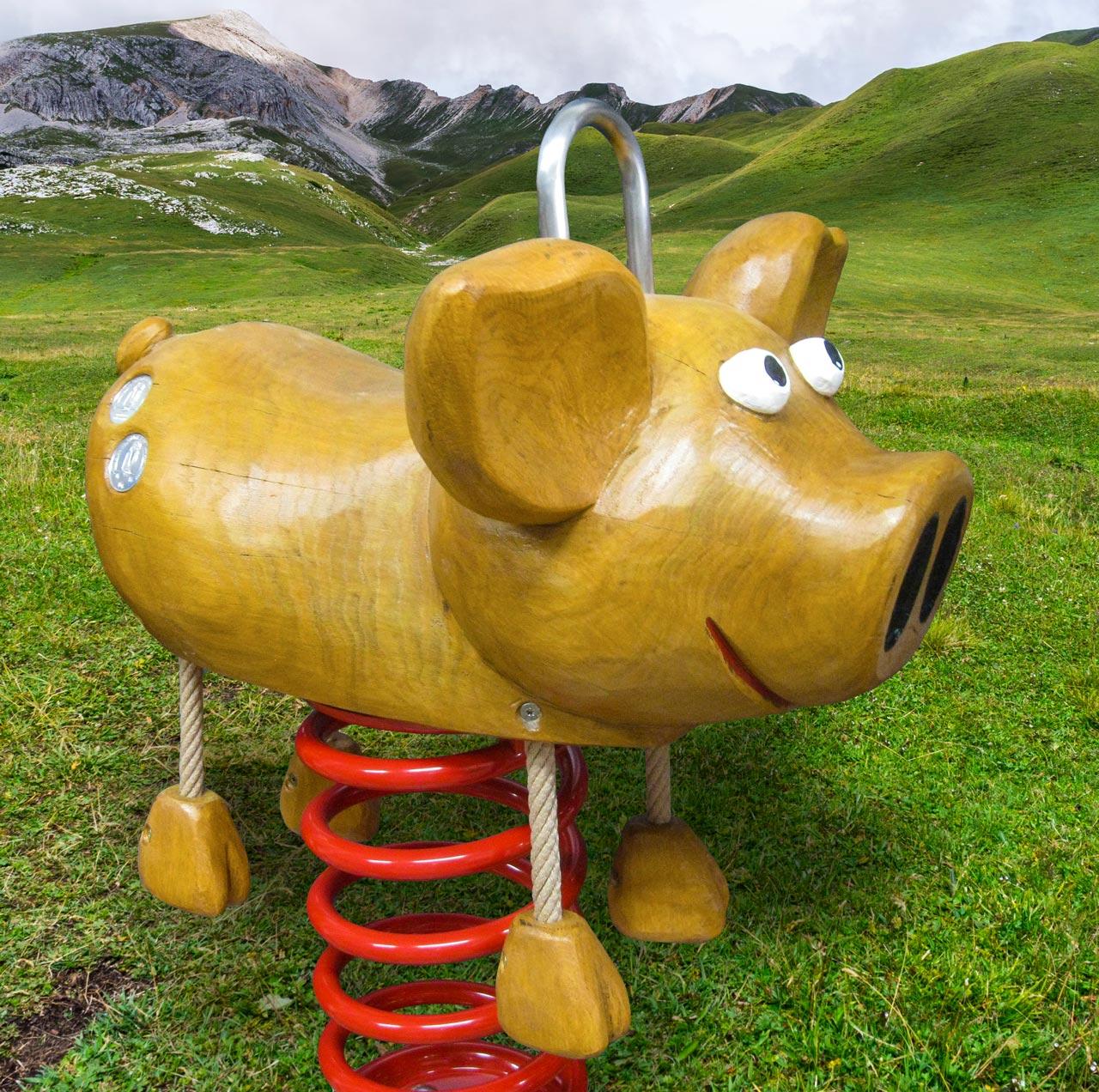 P 41 Federwipper Schwein | Wackelschwein