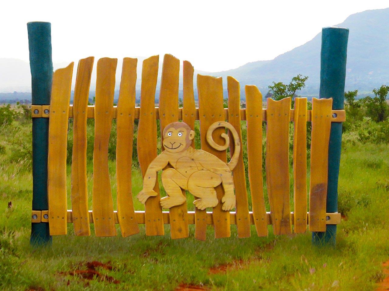 R 12 Spielzaun mit Affe, Zaun für Spielplatz