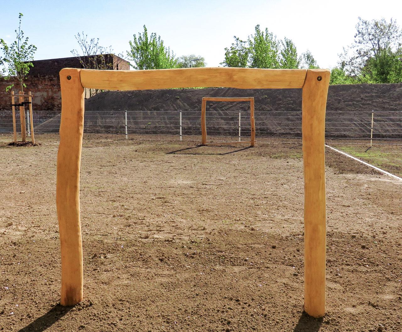 R 2-2b Fußballtor, Tor ohne Netz