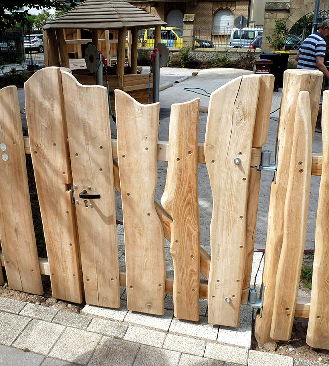 R 73 Tor, Gartentor aus Robinienholz