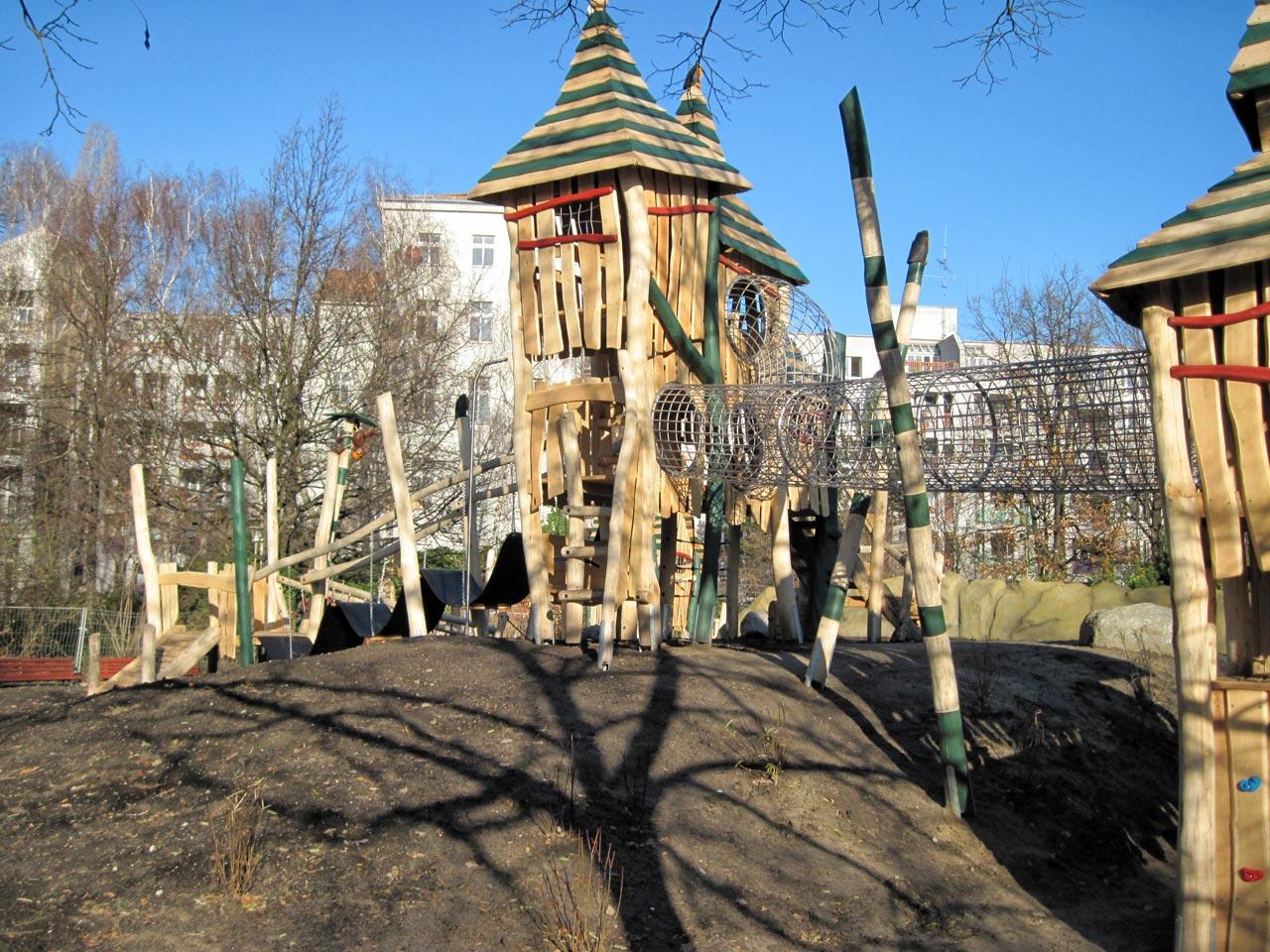 T 18 Spielplatz Burganlage