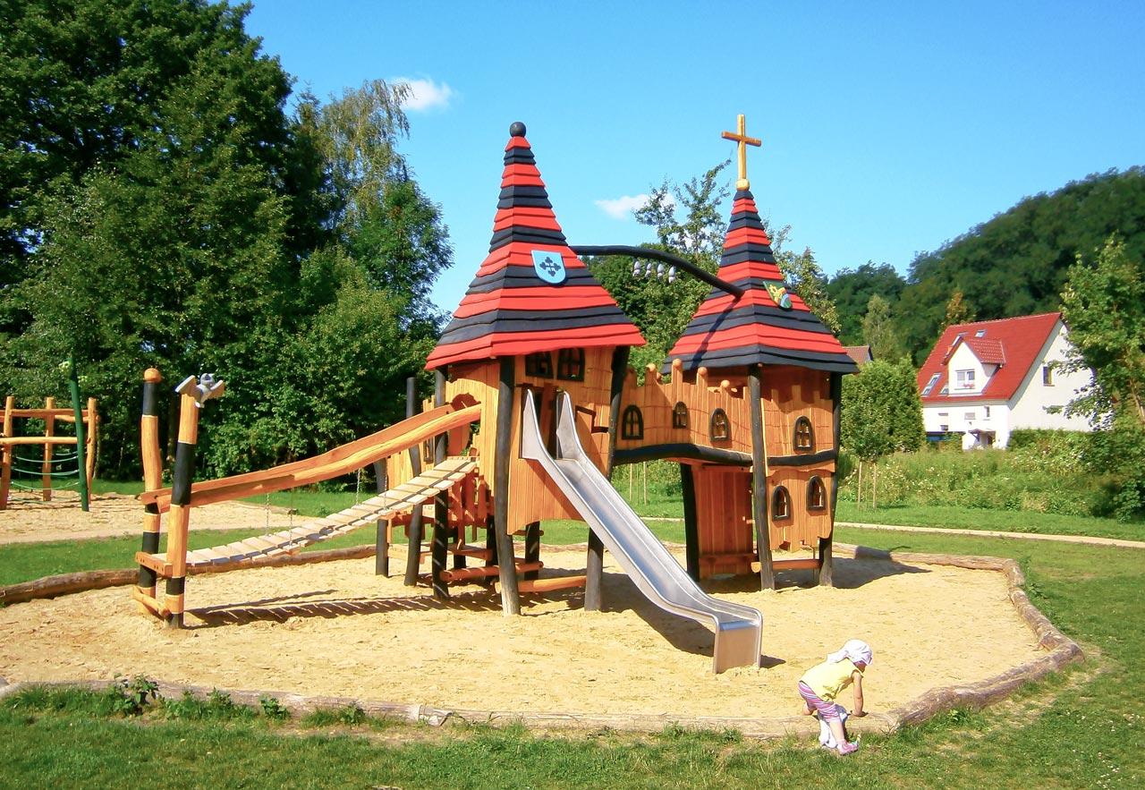 T 38 Spielplatz Klosterruine Neuzelle